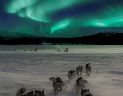 Svalbard i zorza polarna